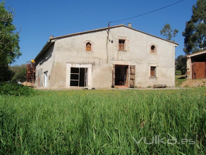 Rehabilitación y reforma casa rural en Girona