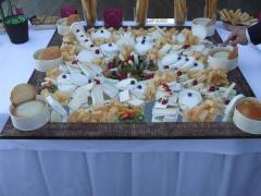 Tienes una boda? te gustan los quesos? un buffet?