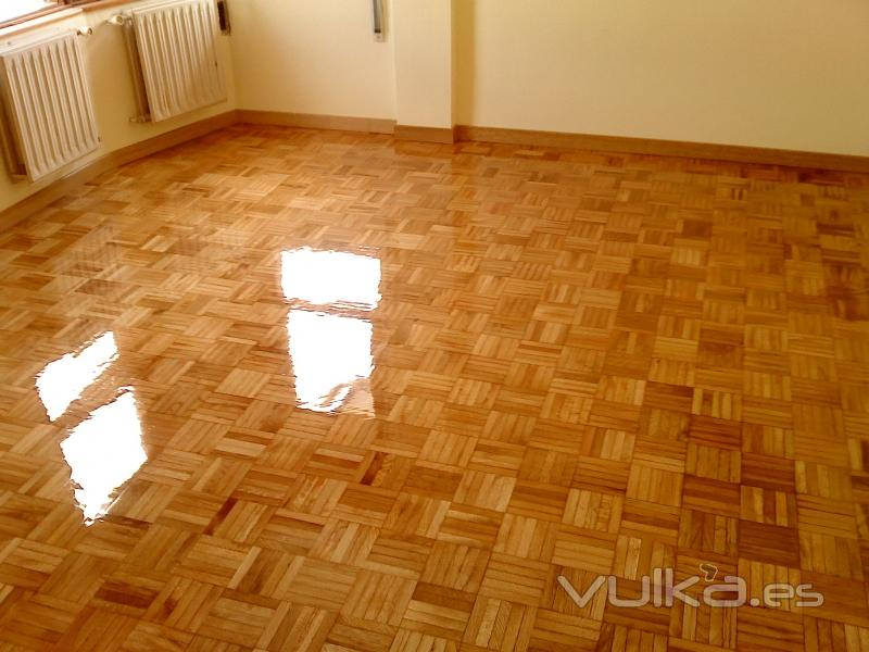 Barniz poliuretano parquet materiales de construcci n - Reparar piso de parquet ...