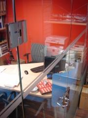 Puertas y divión de oficinas en vidrio templado