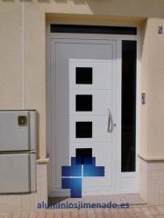 Puerta entrada vivienda