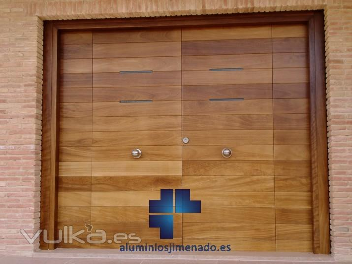 Cerrajer a aluminios jimenado for Puerta entrada vivienda