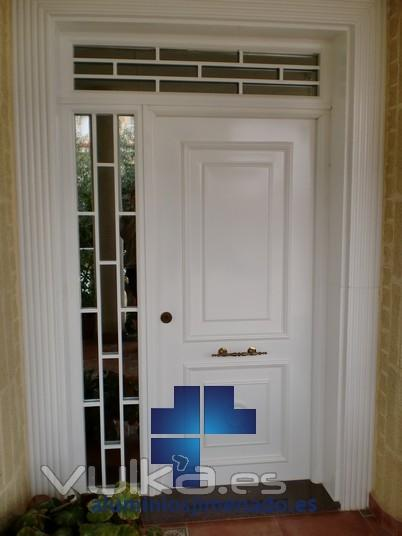 Foto puerta entrada a vivienda for Puerta entrada vivienda