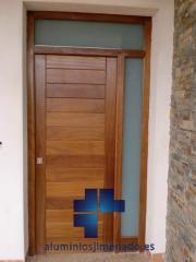 Puerta entrada a vivienda 04