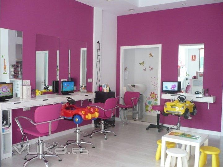 Foto pelupeques peluquer a infantil volver s torrej n for Decoracion en peluquerias