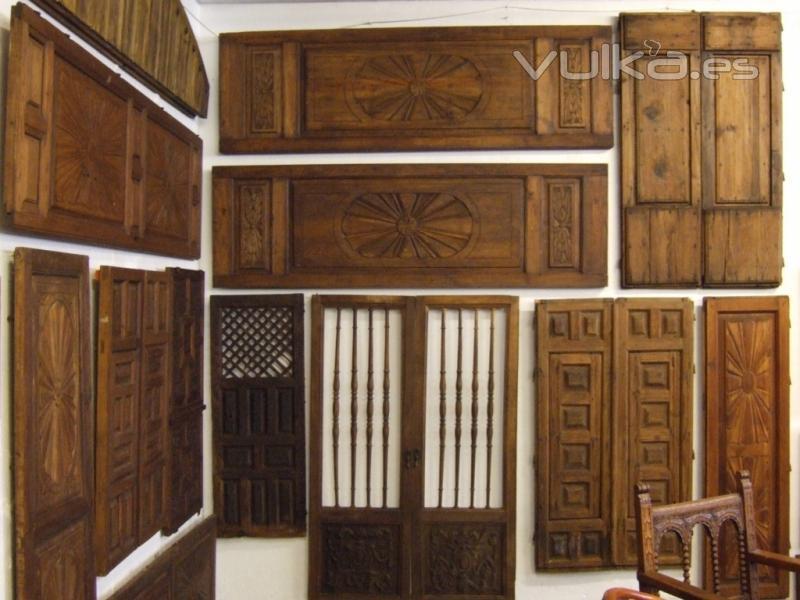 Foto puertas antiguas de madera for Imagenes de puertas de madera antiguas