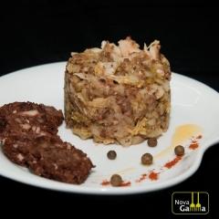 Trinxat de patata, col y butifarra negra. platos precocinados de alta gama.