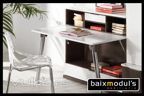 Foto comedor moderno con m dulo de mesa extra ble for Mesas extraibles salon
