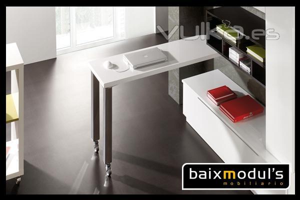 Foto comedor moderno con mesa extra ble en blanco y patas - Mesa extraible cocina ...