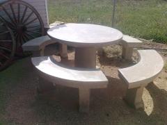 Mesa de piedra II