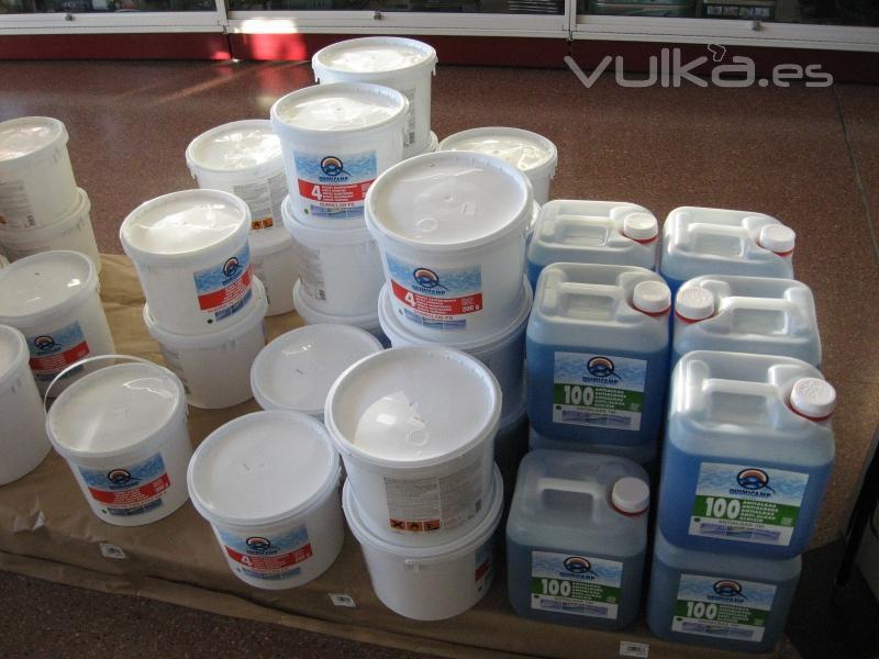 Foto productos para piscinas diversos for Productos para piscinas