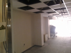 Local comercial en tarragona:reforma realizada yeso, alisado de paredes con mecafino.