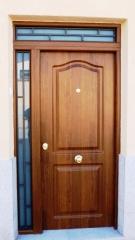 Puerta tht con lateral y montante