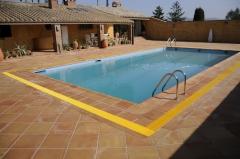 Remate piscina baldosa manual antiquemadura para pies