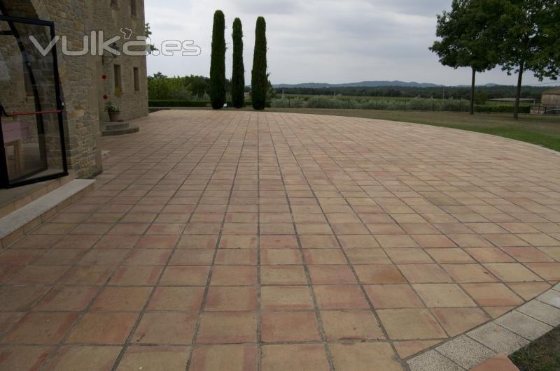 Foto la baldosa manual m s resistente expresa para for Baldosas de piedra para exterior