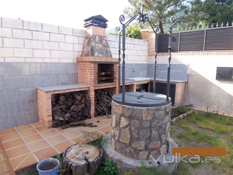 Foto barbacoa de ladrillo y pozo for Ladrillos para barbacoa