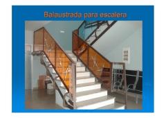 Balaustrada o barandilla para escalera.