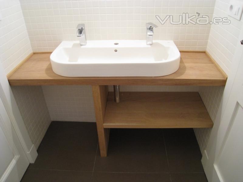 Foto lavabo sobre encimera iroko - Colores de granito para encimeras ...