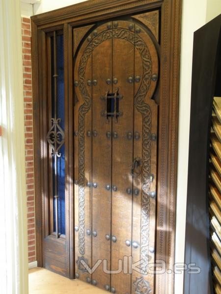 Puertas lozano vela for Puertas macizas exterior