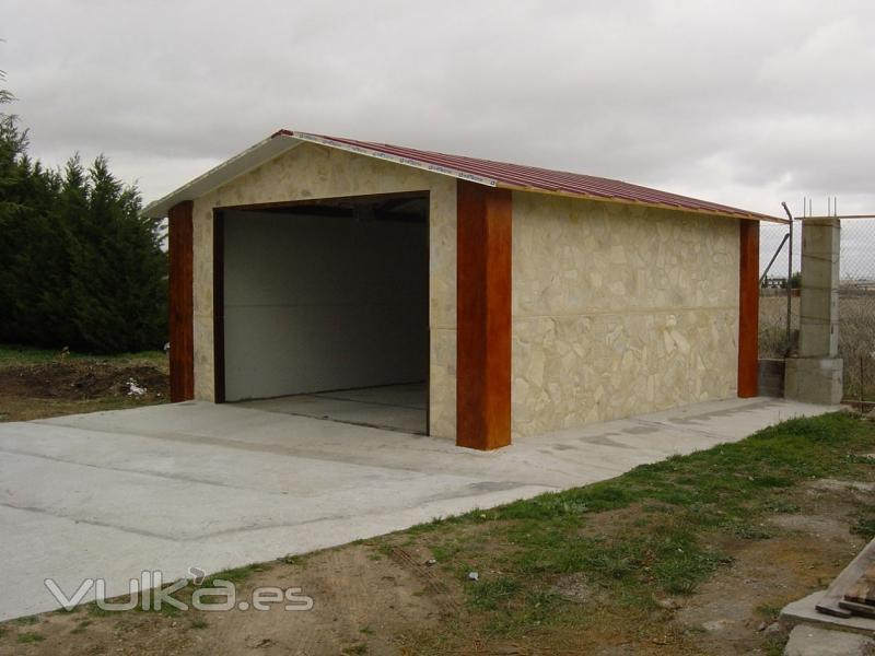 Foto garaje prefabricado posibilidad de diferentes acabados for Prefabricados de hormigon precios