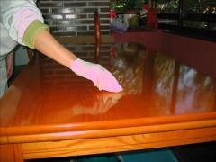 aceite de oliva para sacar brillo a los muebles