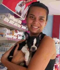 Patricia, con un cachorro