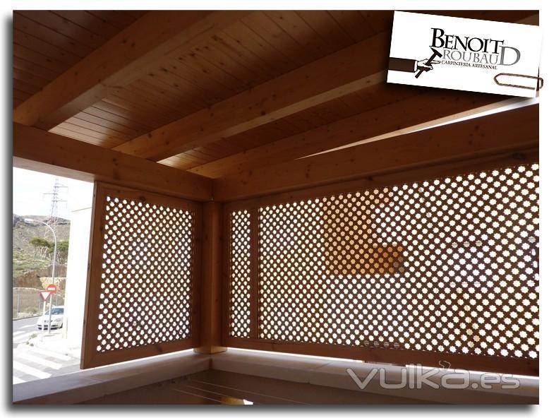 Foto porche de madera for Cerrar porche jardin