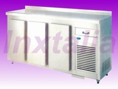 Muebles refrigerados: bajomostradoes, contramostradores, botelleros...