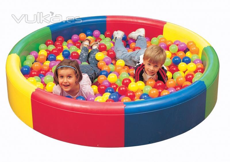foto piscina sensorial de bolas infantil