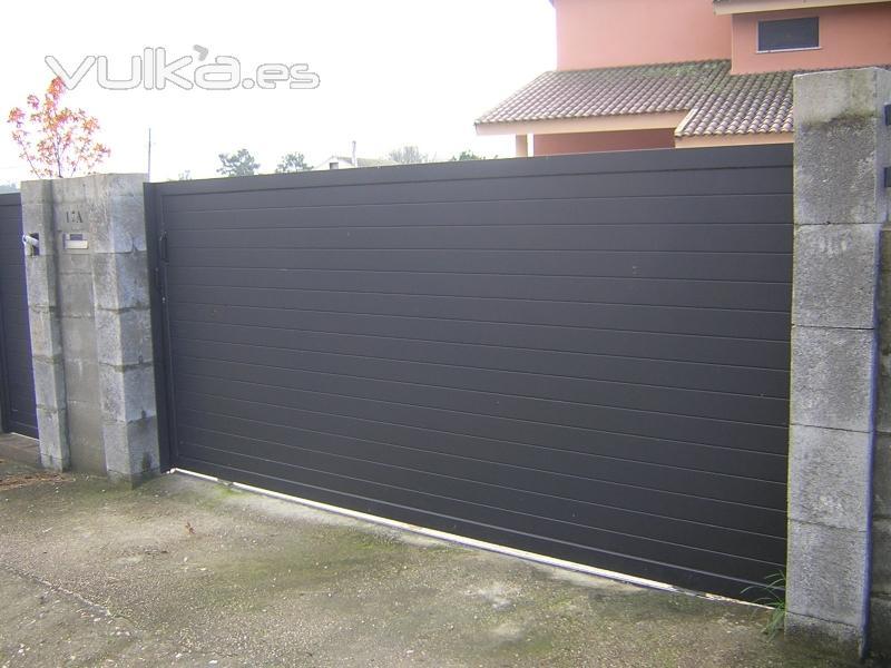 Foto puerta corredera - Cierres para puertas de aluminio ...
