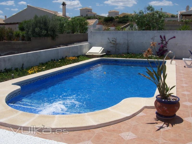 Foto modelo piscina particular for Modelos de piscinas fotos