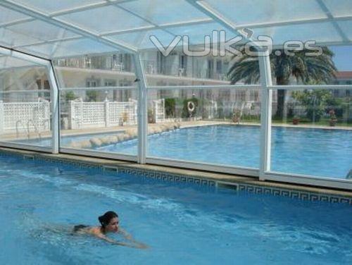 Foto piscina cubierta climatizada hotel nuevo vichona for Piscinas en pontevedra