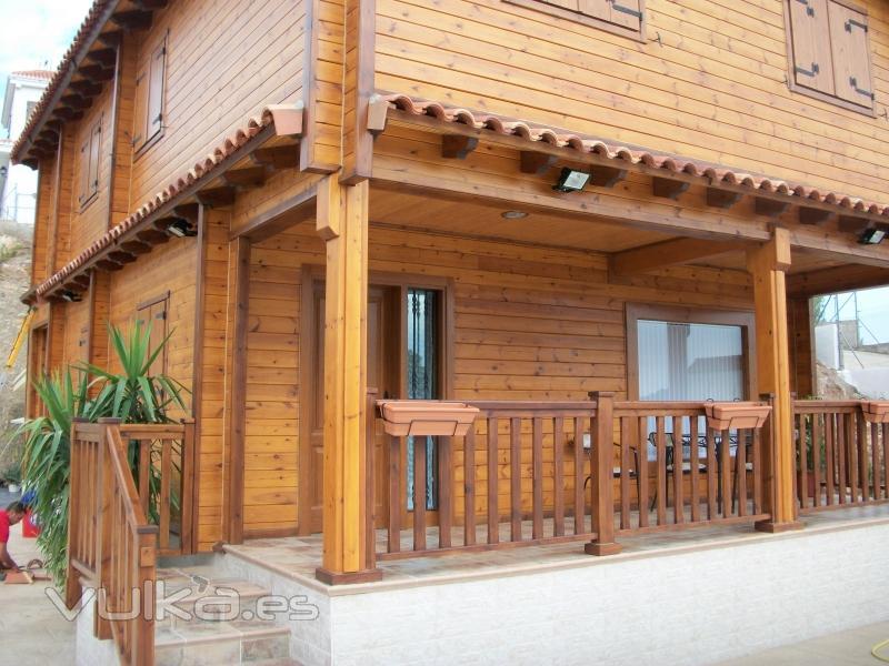 Foto casa de dos plantas con proyecto de arquitecto - Casas de madera de dos plantas ...