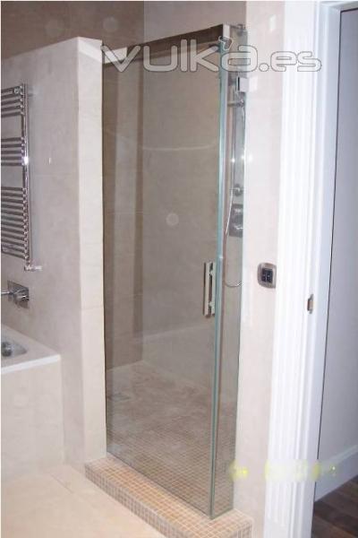 Foto dubacris mamparas para ducha y ba o for Mamparas para duchas fotos