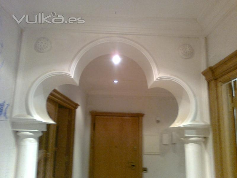Foto arco de escayola for Techo de escayola decoracion simple