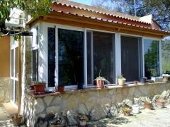 Cerramiento y acristalamiento de terrazas, ventanas en aluminio y pvc, mosquiteras