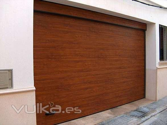 Cerrajeria vial s l - Puertas para garajes ...