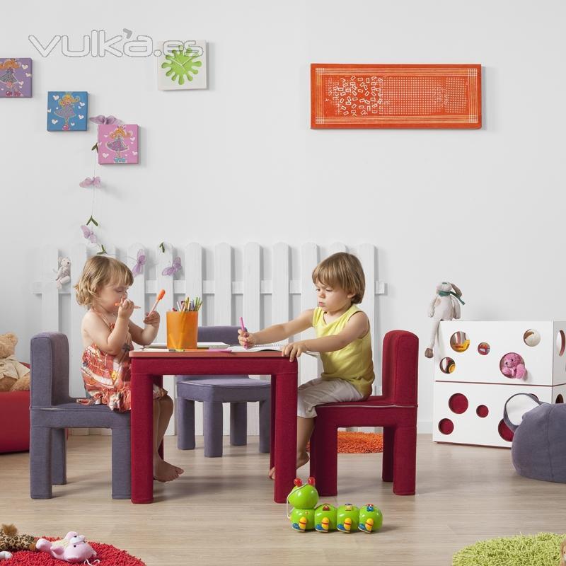 Shroomz muebles infantiles for Sillas para jugar ps4