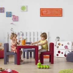 Sillas y mesas blanditas para jugar con seguridad...