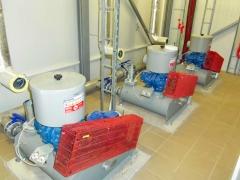 Edar at4000he (habitantes efectivos), sala de sopladores de aire (compresores).