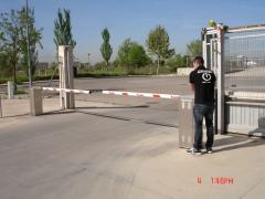 Barreras y control de accesos navatek