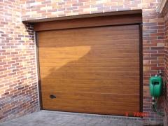 Puertas seccionales color roble