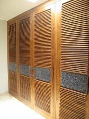 Puerta armario teca