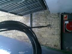Reparaci�n de puerta basculante, cable