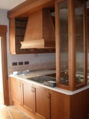 Cocina madera maciza color cerezo