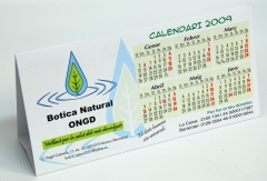 Calendario de sobremesa, a todo color, en cartulina de 350 gr.