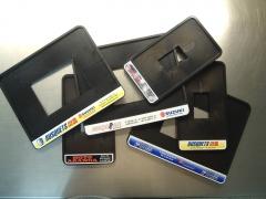 Placas porta matriculas con adhesivo a varios colores.
