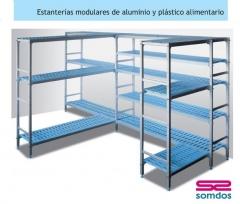 Estanterias de aluminio y pl�stico,especiales para alimetacion