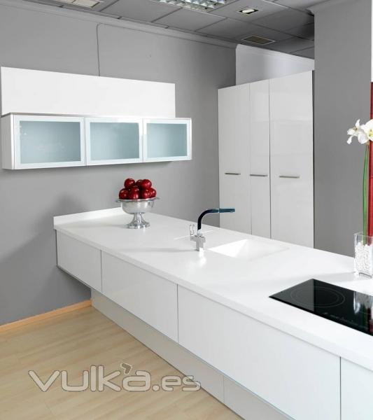 Foto: Muebles de cocina: cocina blanco brillo