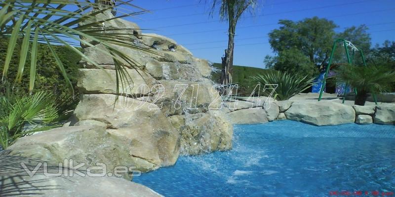 Foto piscina con paisajismo for Paisajismo para piscinas